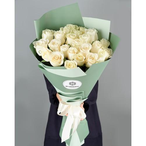 Купить на заказ Заказать Букет из 25 белых роз с доставкой по Степногорску с доставкой в Степногорске