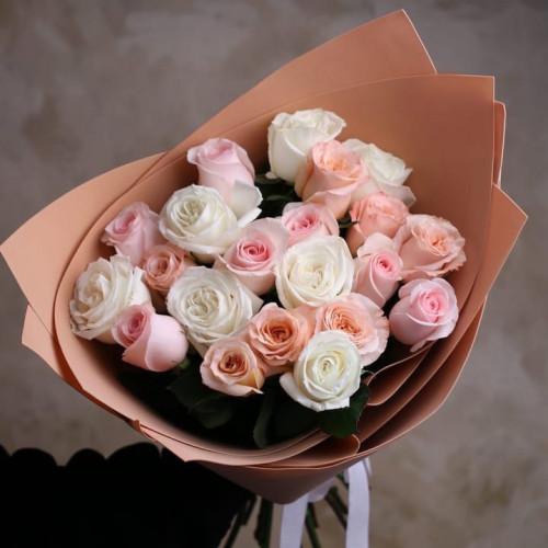 Купить на заказ Заказать Букет из 21 розы (микс) с доставкой по Степногорску с доставкой в Степногорске